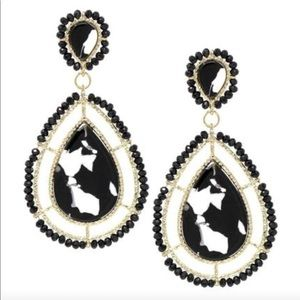 Jewelry - Beautiful costume statement earrings